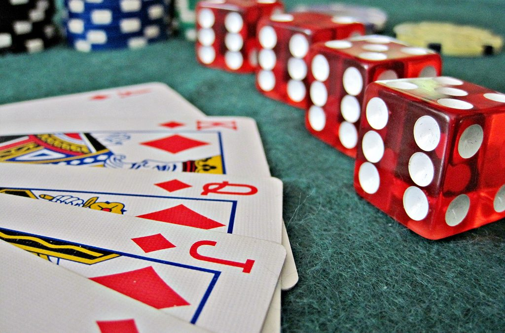 How easy is it to pull a king of play hand?