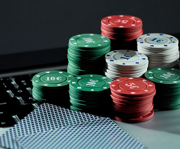 Know how play online gambling is good