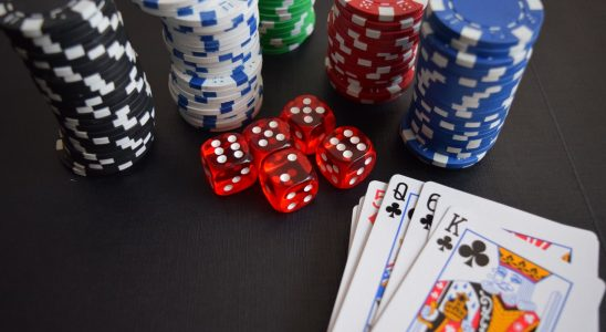 Play poker games at your free time