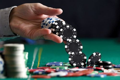 Getting a good website offering free online poker for online players