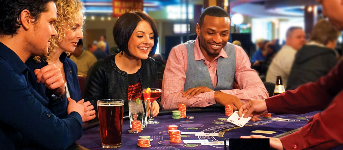Online casino gives you a variety of gaming options