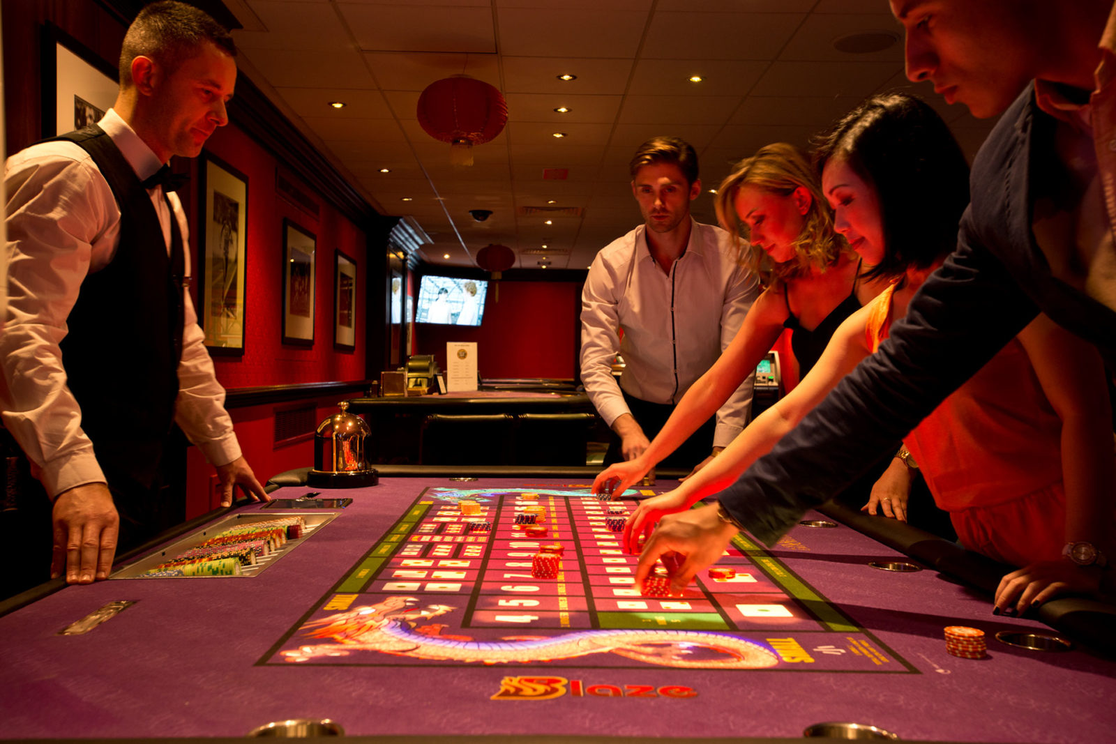 Why Should You Jump into The World of Online Slots Gaming?