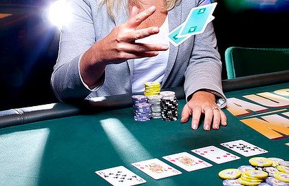 Entertainment through playing the online casino games
