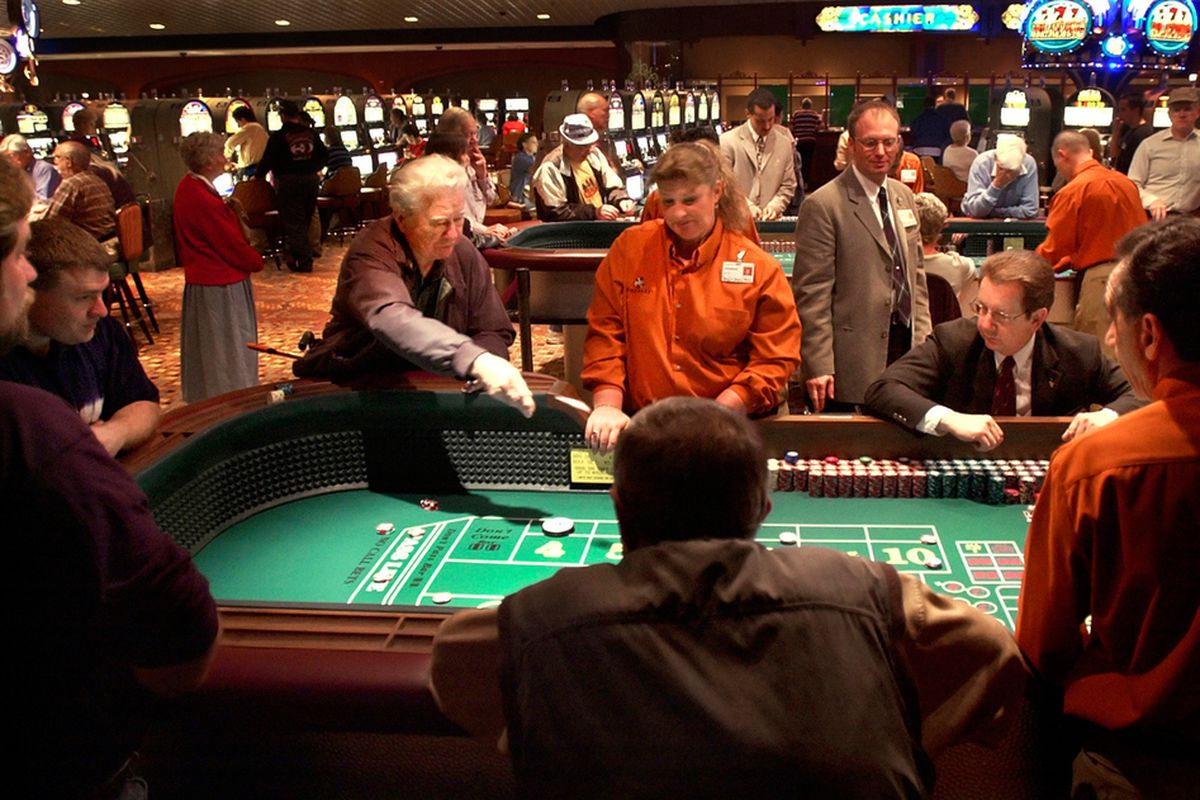 Bonus Features and Rewards in Playing Online Slots: Guidelines for Beginners