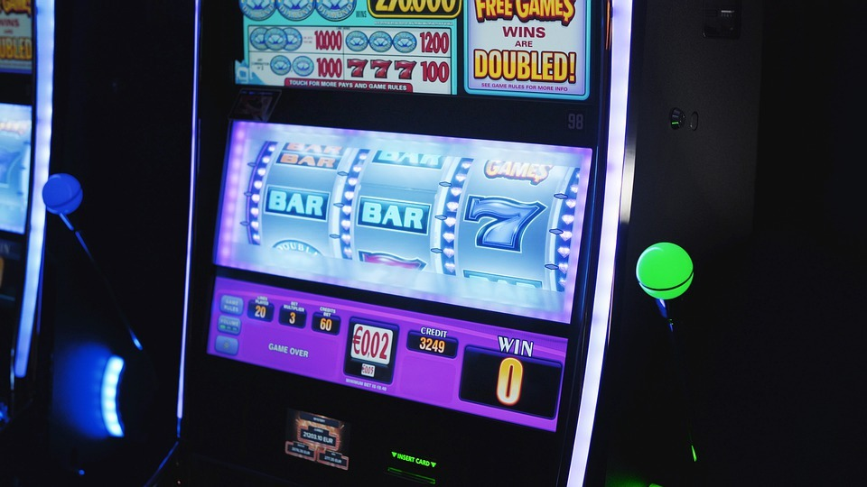 Why Play At Online Casinos? Find Out Here!